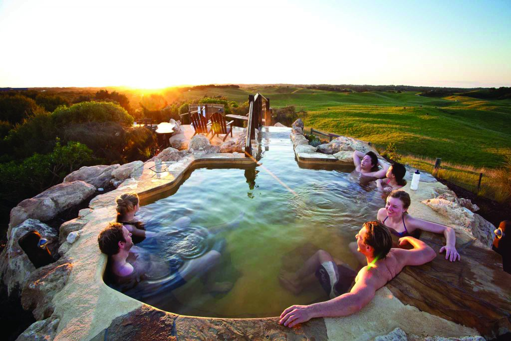 hill-top-pool-sunset-2-peninsula-hot-springs