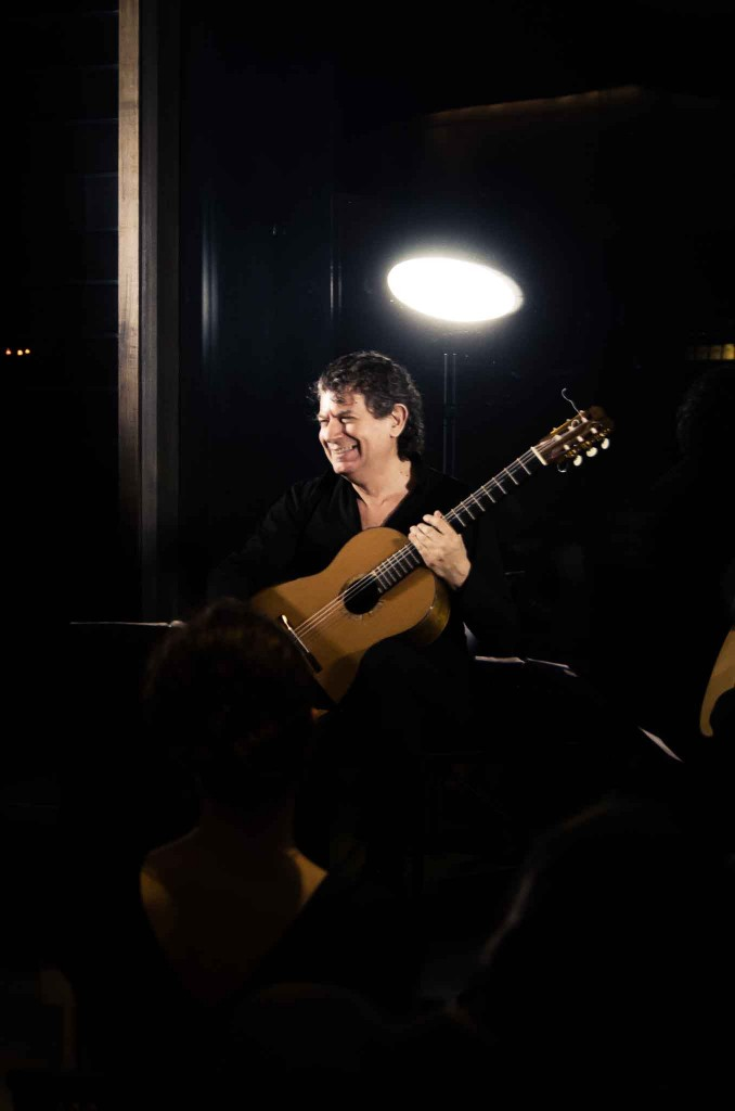 Massimo Scattolin began his concert career as a soloist, developing his chamber music and orchestral activities to include some of the best-known concertos for guitar and orchestra. Composers such as Astor Piazzolla and Violet Archer have written musics for him. Massimo thus rose to the attention of European and American audiences, and has been described by critics as being one of the best guitarists of our times.