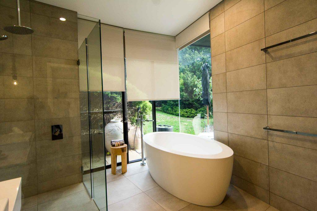 bathroom at blue range estate